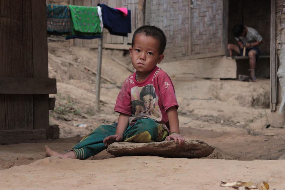 Svakog dana umre oko 22 000 dece i mladih kao posledica siromaštva!