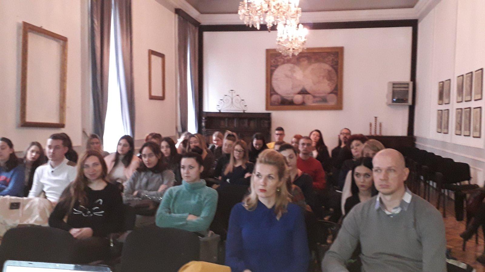 Predstavnice Tima za socijanu inkluziju i smanjenje siromaštva Vlade Republike Srbije održale predavanje studentima Visoke škole socijalnog rada