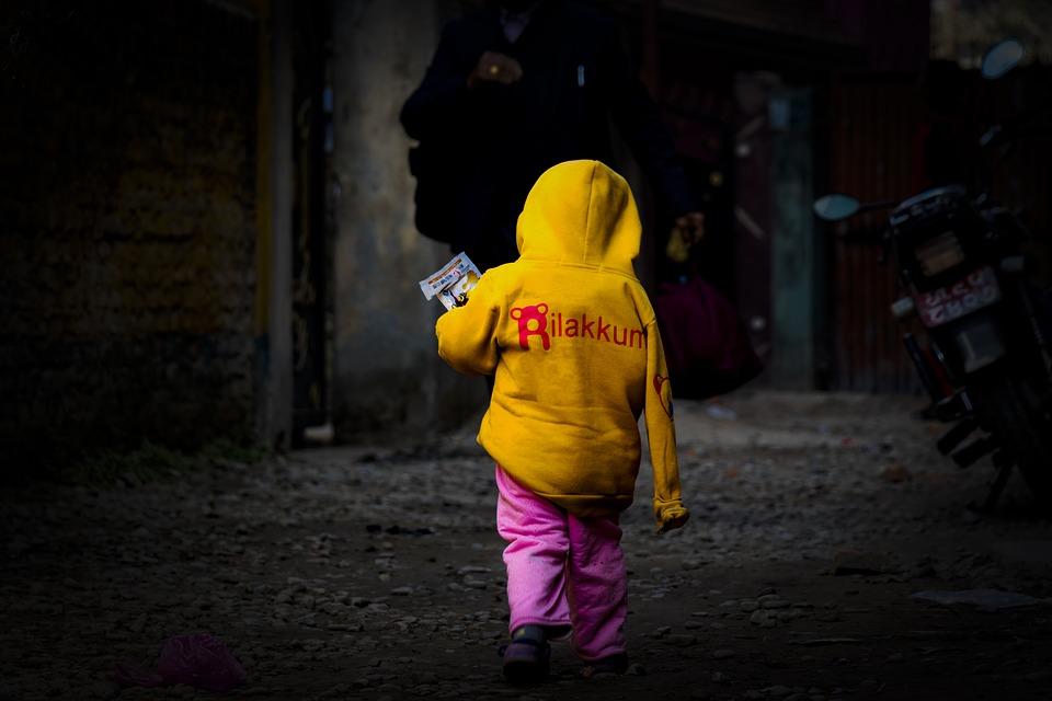 Svet je preplavljen milionima izbeglica a polovinu čine deca!